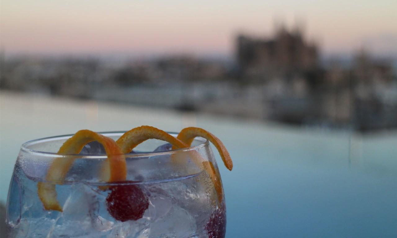nakar-hotel-drinks-rooftop