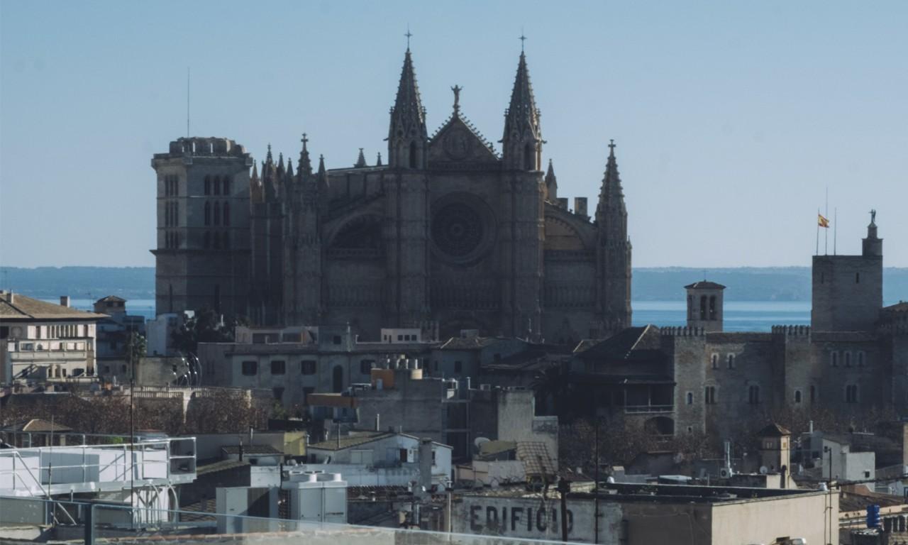 Nakar hotel Mallorca cathedral rooftop