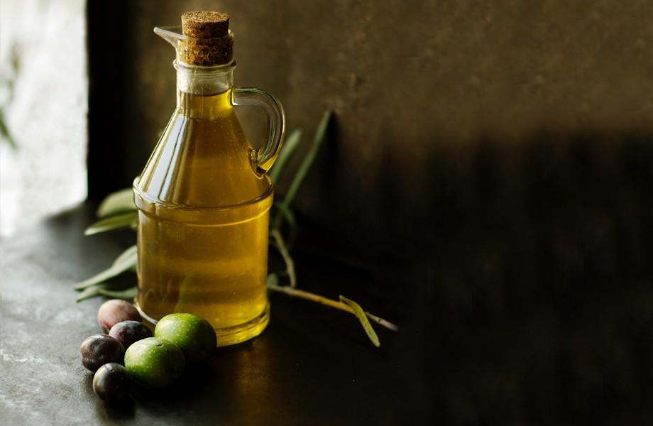 Nakar Hotel olive oil Mallorca