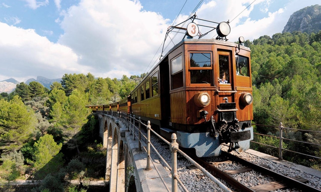 Soller train Nakar Hotel pocket guide Soller