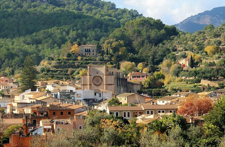 Nakar Hotel Esporles guide Mallorca daytrip